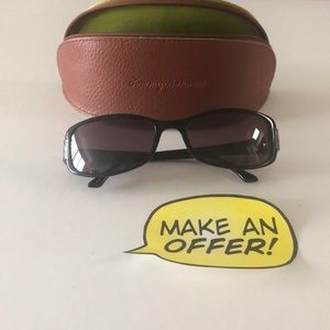 Tommy Bahama Sunglasses with case